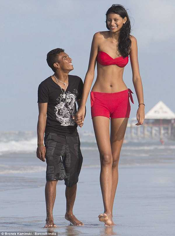 extremely-tall-women (35)