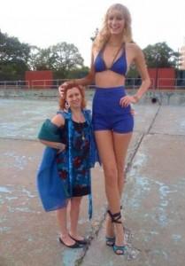 Very Very Tall Women (36 photos) 4