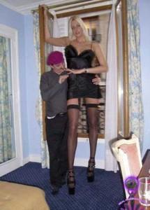 Very Very Tall Women (36 photos) 9