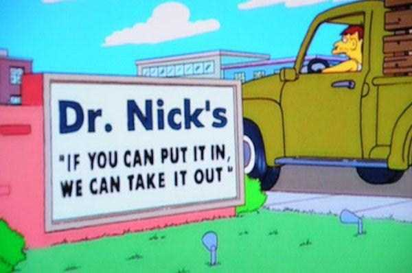 funny-signs-in-the-simpsons (40)