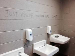 Funny Toilet Graffiti (18 photos) 8