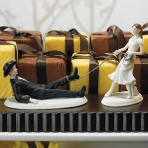 20 Awesomely Funny Wedding Cake Toppers (20 photos) 10