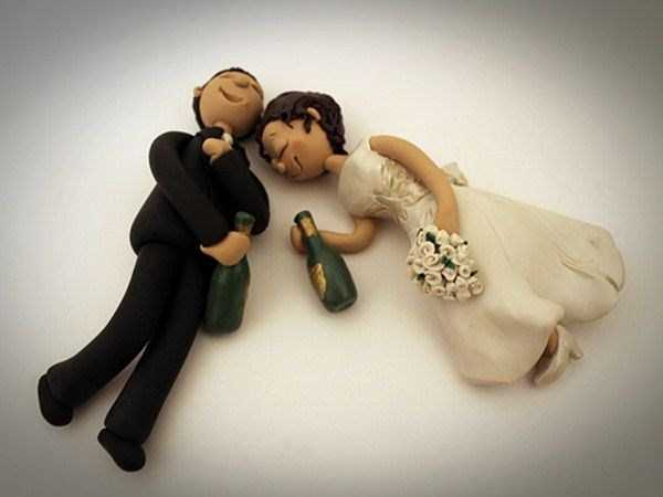 20 Awesomely Funny Wedding Cake Toppers (20 photos) 19