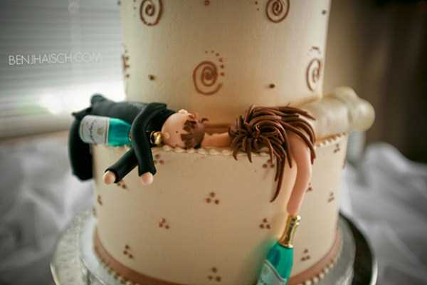 funny-wedding-cake-toppers (6)