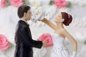 20 Awesomely Funny Wedding Cake Toppers (20 photos) 8