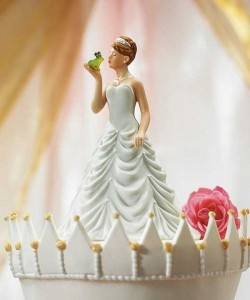 20 Awesomely Funny Wedding Cake Toppers (20 photos) 9