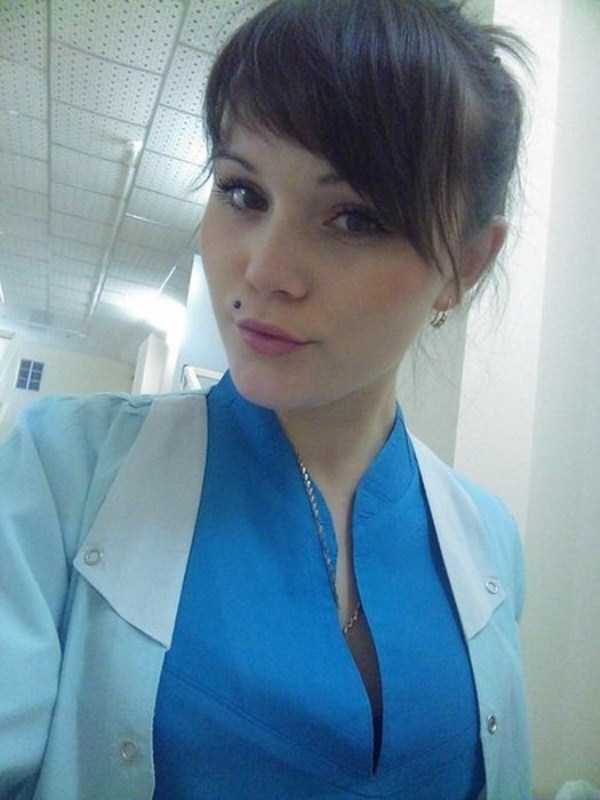 hot-nurses-in-uniforms (14)