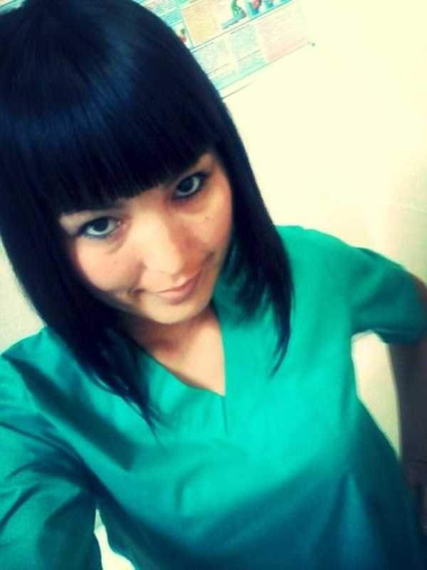 hot-nurses-in-uniforms (15)