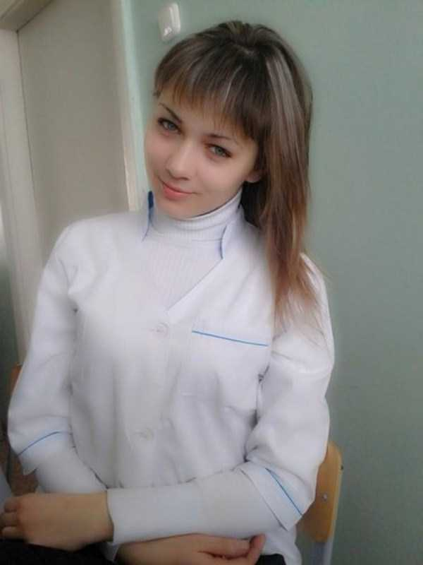 hot-nurses-in-uniforms (20)