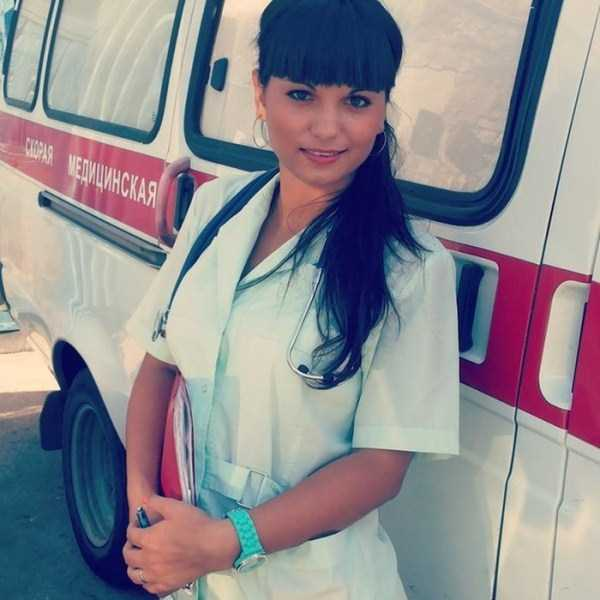 hot-nurses-in-uniforms (26)