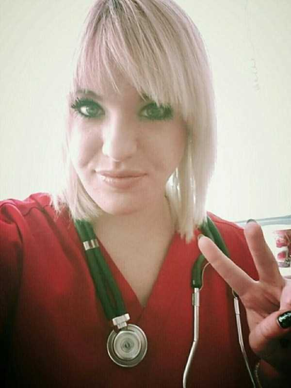 hot-nurses-in-uniforms (32)