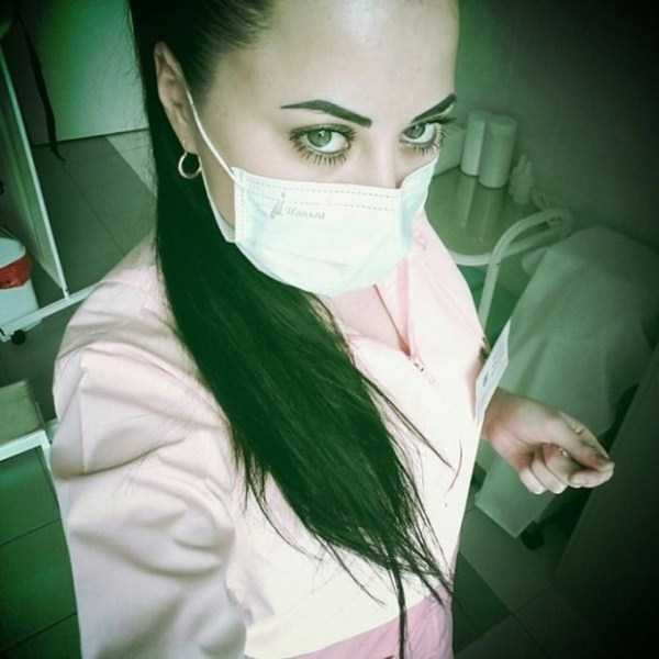 hot-nurses-in-uniforms (7)