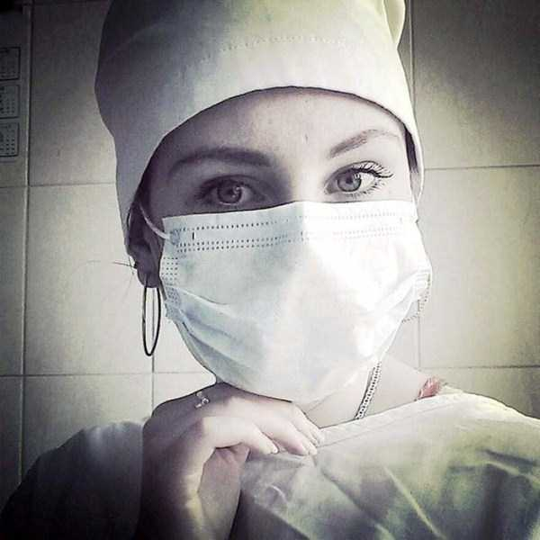 hot-nurses-in-uniforms (8)
