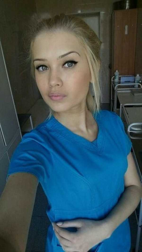 hot-nurses-in-uniforms (9)
