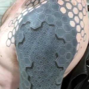 35 Frighteningly Realistic 3D Tattoos (35 photos) 2