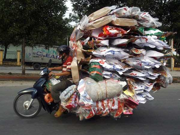motorcycles-carrying-heavy-loads (10)
