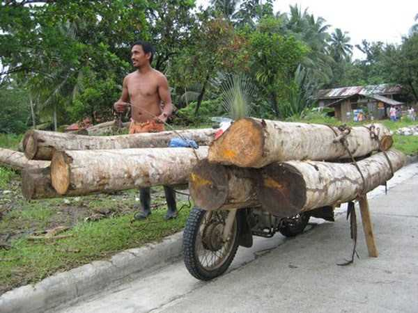 motorcycles-carrying-heavy-loads (13)