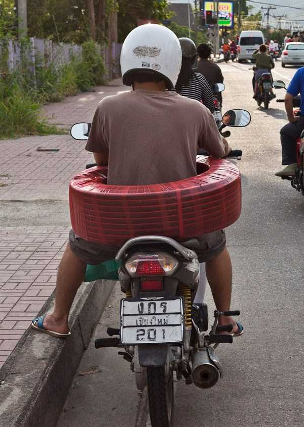 motorcycles-carrying-heavy-loads (15)