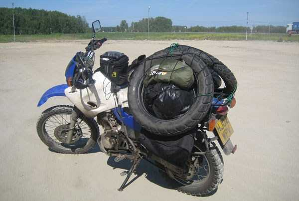 motorcycles-carrying-heavy-loads (18)