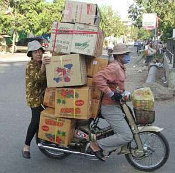 motorcycles-carrying-heavy-loads (2)