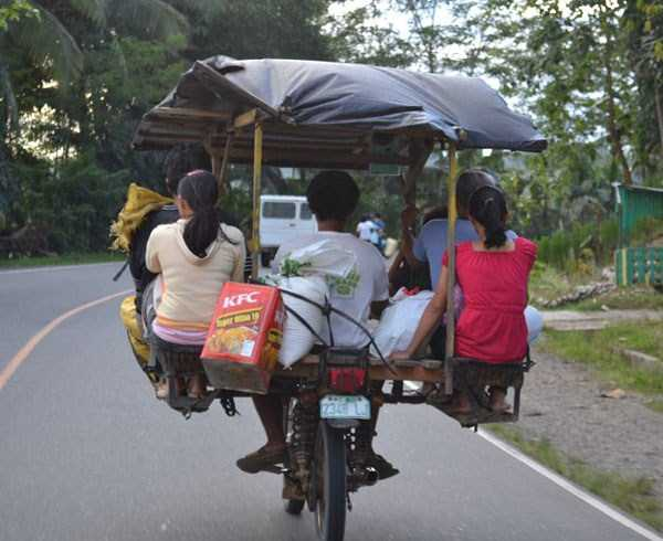 motorcycles-carrying-heavy-loads (27)