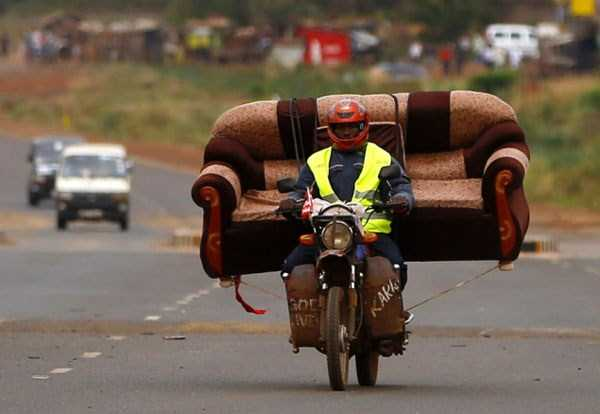 motorcycles-carrying-heavy-loads (8)