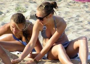 These Girls In Bikinis Are So Damn Cute (34 photos) 18
