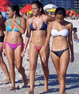 These Girls In Bikinis Are So Damn Cute (34 photos) 26