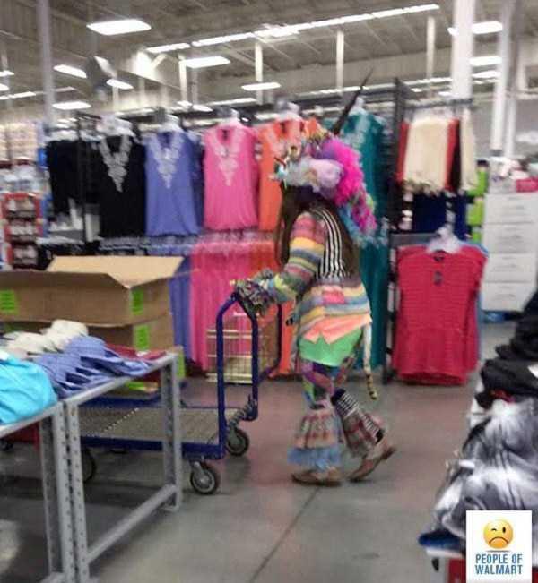 strange-walmart-customers (13)