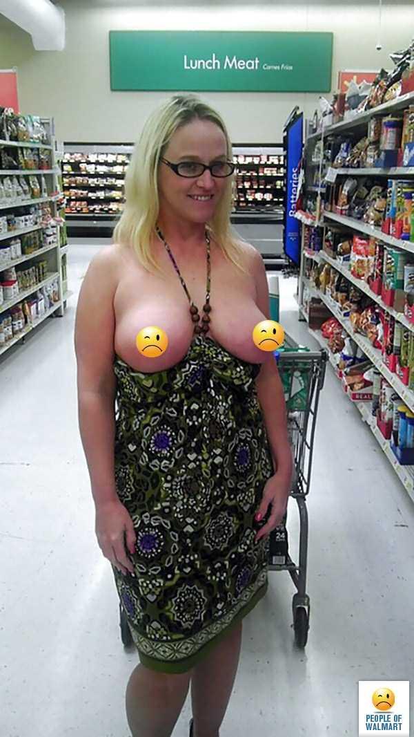 strange-walmart-customers (33)