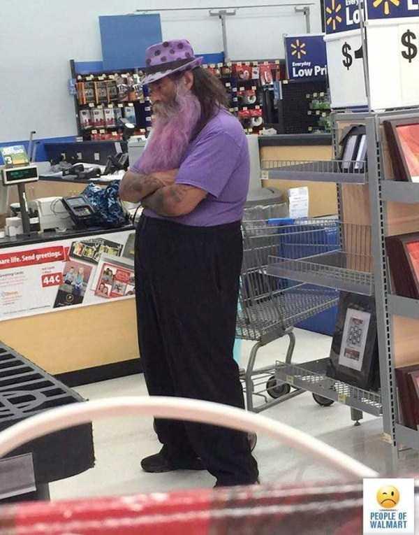 strange-walmart-customers (8)
