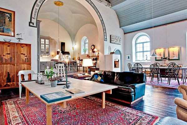 swedish-church-tranformed-into-luxury-home (13)