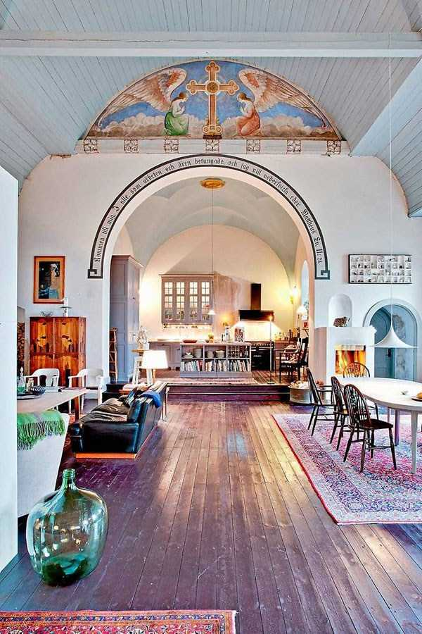 swedish-church-tranformed-into-luxury-home (14)