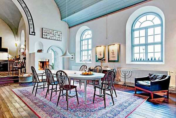 swedish-church-tranformed-into-luxury-home (4)