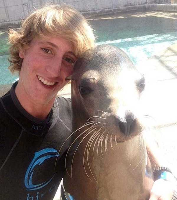 animals-who-dont-like-selfies (15)
