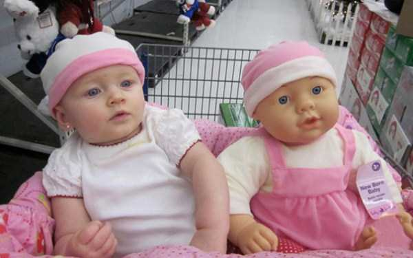 babies-and-their-look-alike-dolls (6)