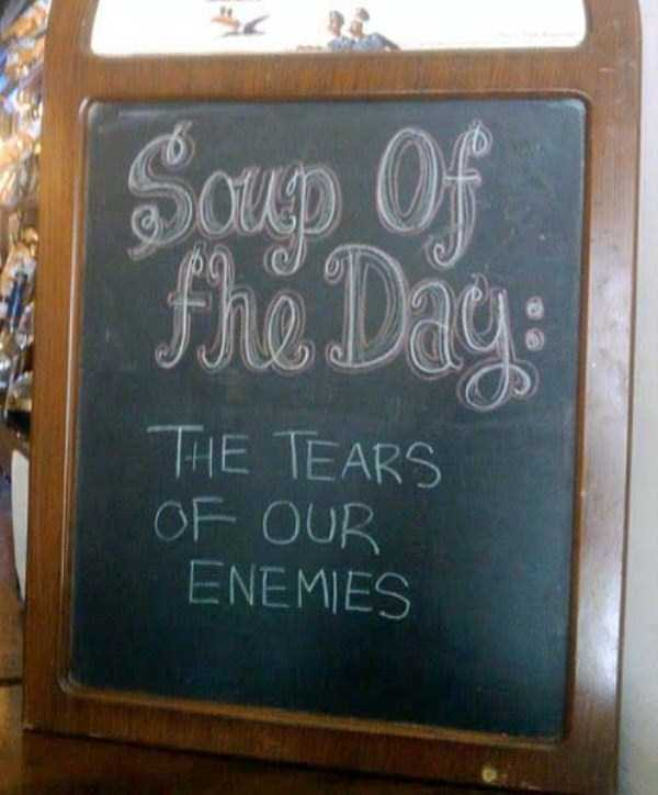 funny-creative-chalkboard-signs (33)
