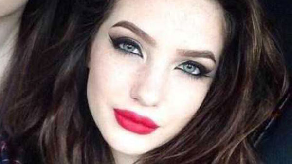 Two Girls Demonstrate The Power Of Makeup (2 photos) 3