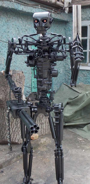 life-size-terminator-t-800-endoskeleton (1)