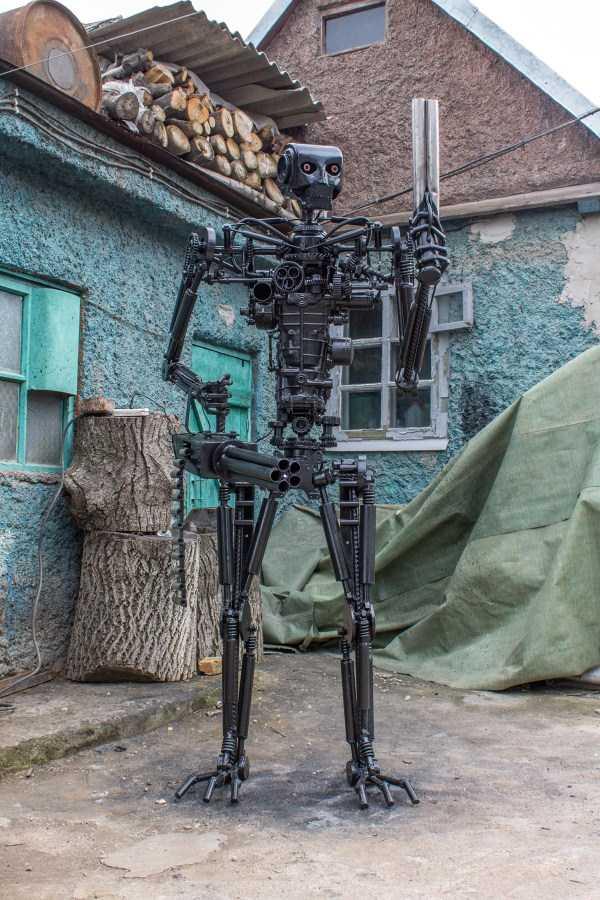 life-size-terminator-t-800-endoskeleton (13)
