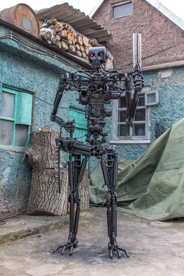 life-size-terminator-t-800-endoskeleton (14)
