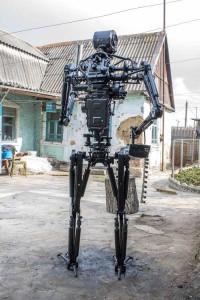 Terminator T-800 Endoskeleton Made From Scrap Metal (17 photos) 16