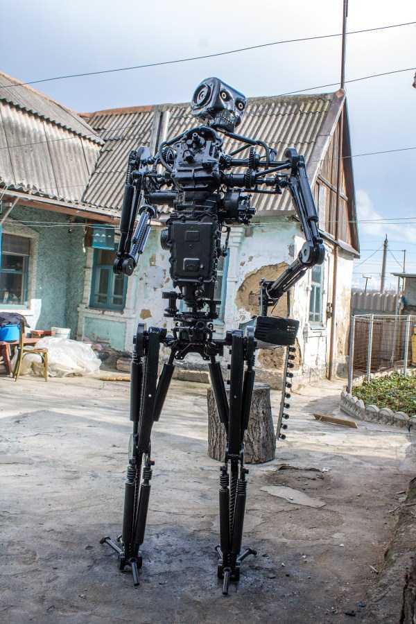 life-size-terminator-t-800-endoskeleton (17)