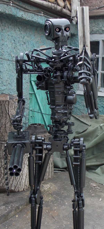 life-size-terminator-t-800-endoskeleton (2)
