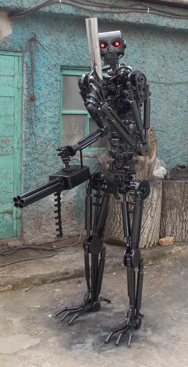 life-size-terminator-t-800-endoskeleton (3)