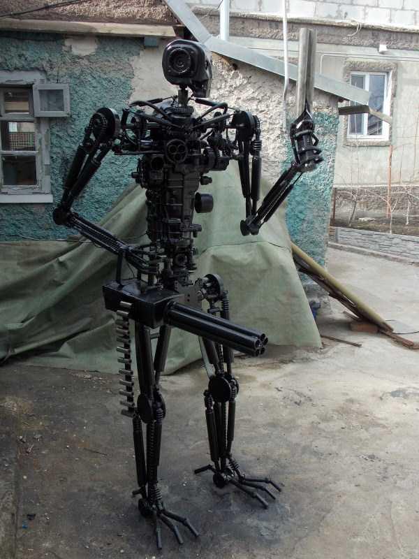 life-size-terminator-t-800-endoskeleton (4)