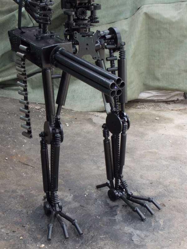 life-size-terminator-t-800-endoskeleton (6)