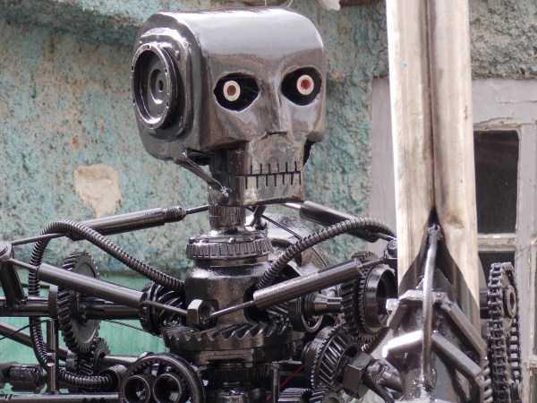 life-size-terminator-t-800-endoskeleton (7)