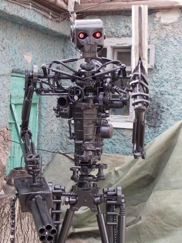 life-size-terminator-t-800-endoskeleton (8)