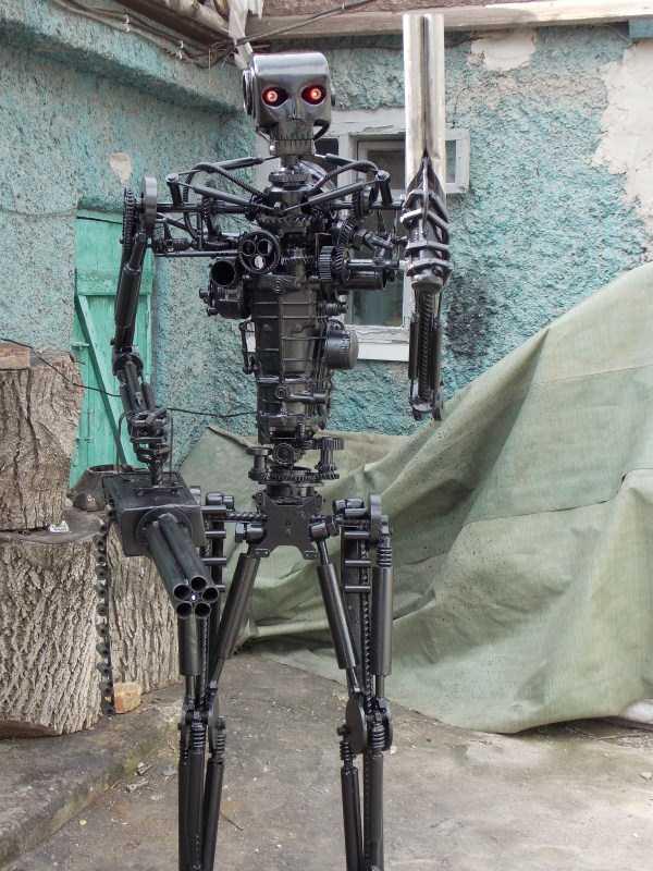 life-size-terminator-t-800-endoskeleton (9)